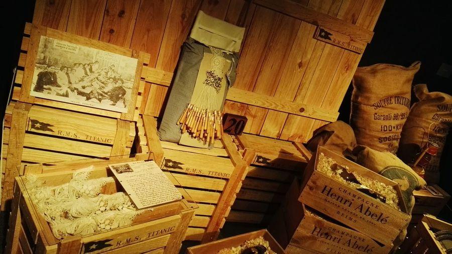 Vintage Titanic Titanicmuseum Parque De Las Ciencias De Granada Champagne Granada Wood Art