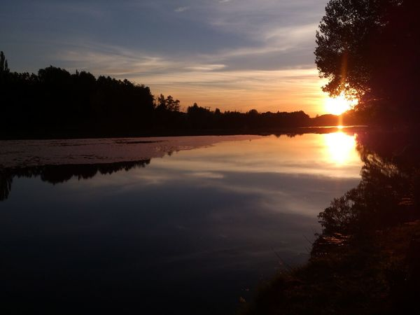 El atardecer de hoy, desde el río, después de un poquito de running :-) Sunset Streamzoofamily EyeEm Nature Lover Reflections