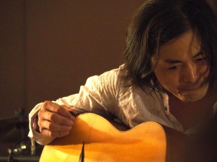 Kobe Japan ASIA Theaterjazzy Natsuki Morikawa Jazz Live Tomoki Inoue Guitar Guitarist Musician Music Indoors  Olympus PEN-F 神戸 元町 日本 森川七月 井上知樹