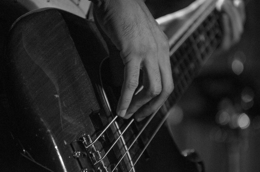 Music Nikonphotography Thebrisantinos Phtographydocumentary Photography Nikon D7000 Fotografiaéarte Show Vitaonatureza Musica Pretoebranco Victornatureza Nikon Rock Olharnatural Fotografia P&B Brackandwhite BP