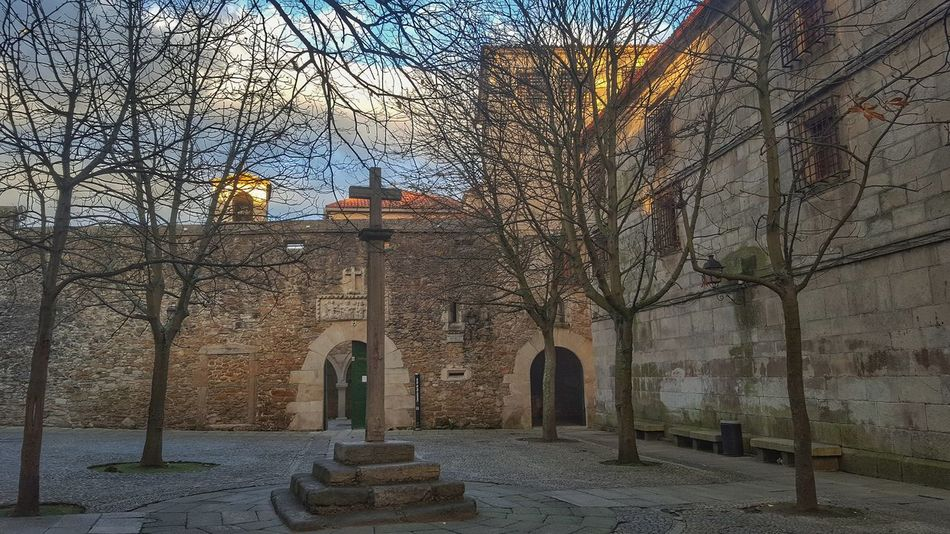 Buenos dias !!! https://youtu.be/axyACyPaRJc Architecture Built Structure Outdoors Architecture_collection Architecture Capture The Moment From My Point Of View Lanscape Photography Cruceiro Piedra Convento Galicia, Spain