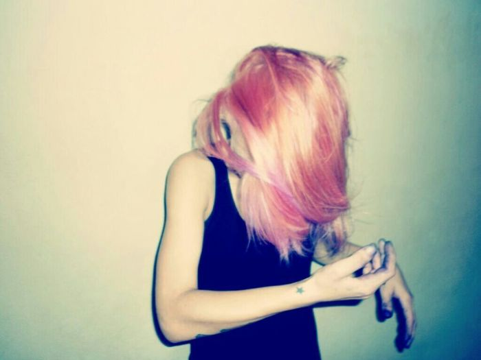 That's Me Taking Photos Enjoying Life Modeling Myself Colorhair Colors Weed Life ▼ Fatality Haunting Girls▲ Colorful