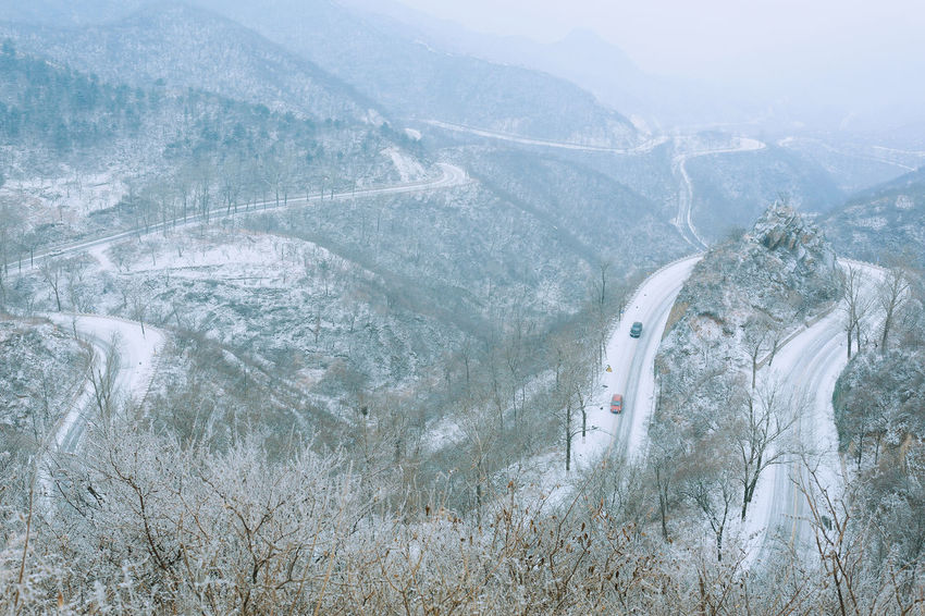 Adventure Nature Outdoors Day One Person Real People Snow Close-up People Beauty In Nature Mountain snow Mountain Roads Frozen