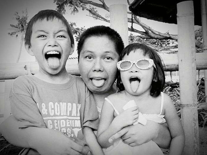 Modern Father the best groupie ever Everyday Joy My365photographyproject Blackandwhite Photography Love ♥ Happy :)