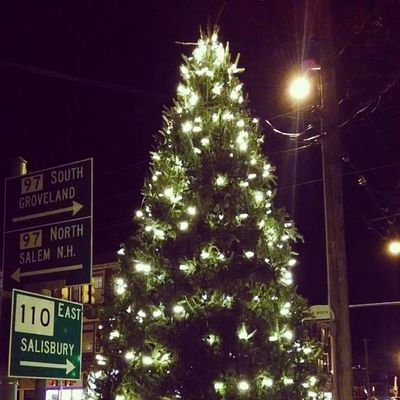 Day 4: Time. Time to light the tree! Rethinkchristmas Rethinkchurch Advent Adventphotoaday time