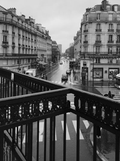 Blackandwhite Paris TheWeekOnEyeEM EyeEm Best Shots - Black + White Rain Traveling Hello World Cityscapes Citylife Showcase April Vintage