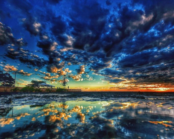 Water Tranquil Scene Scenics Tranquility Reflection Beauty In Nature Cloud - Sky Lake Blue Multi Colored Nature Sky Cloudy Surface Level Cloud Waterfront Majestic Calm Non-urban Scene