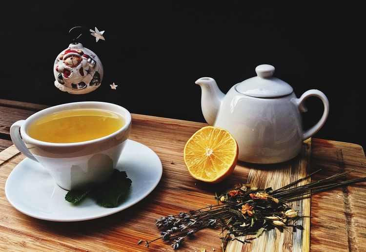 EyeEm Selects Drink Food And Drink Cup Mug Refreshment Teapot Table Tea - Hot Drink Tea Hot Drink Indoors  Food Still Life Healthy Eating Freshness Tea Cup No People Fruit Crockery Close-up
