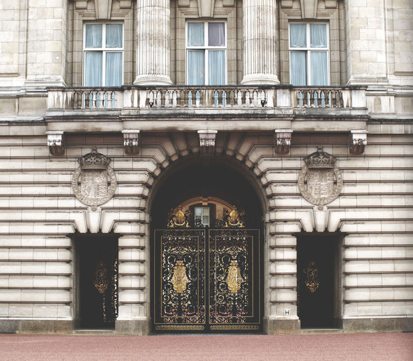 Arch Architecture Buckingham Palace Building Exterior Built Structure City City Day London United Kingdom Monarchy No Filter, No Edit, Just Photography No People Outdoors Window