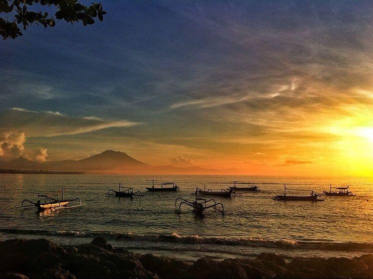 the sunrise.. sanur beach bali indonesia