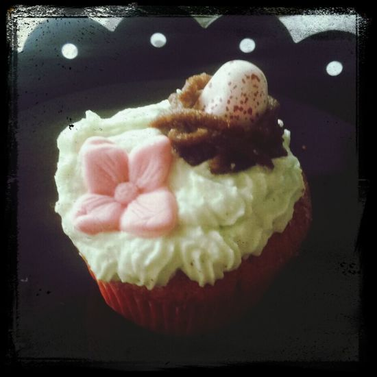 Sweet Cupcakes Love Easter