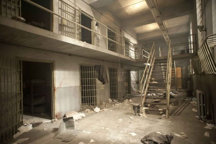 Abandonned Jail I find this pics in Internet it is walking dead's jail no ?