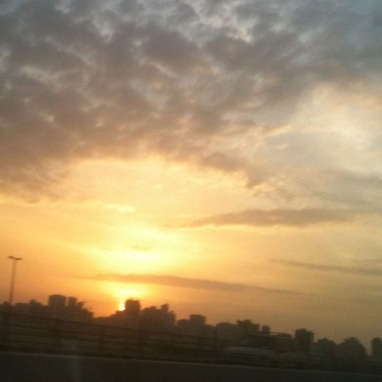 No filter. My way back to home. sunset. UAE Uaetag Shj Sun sunset red cloudiphone3gs backtohome الشارقة الامارات غروب شمس