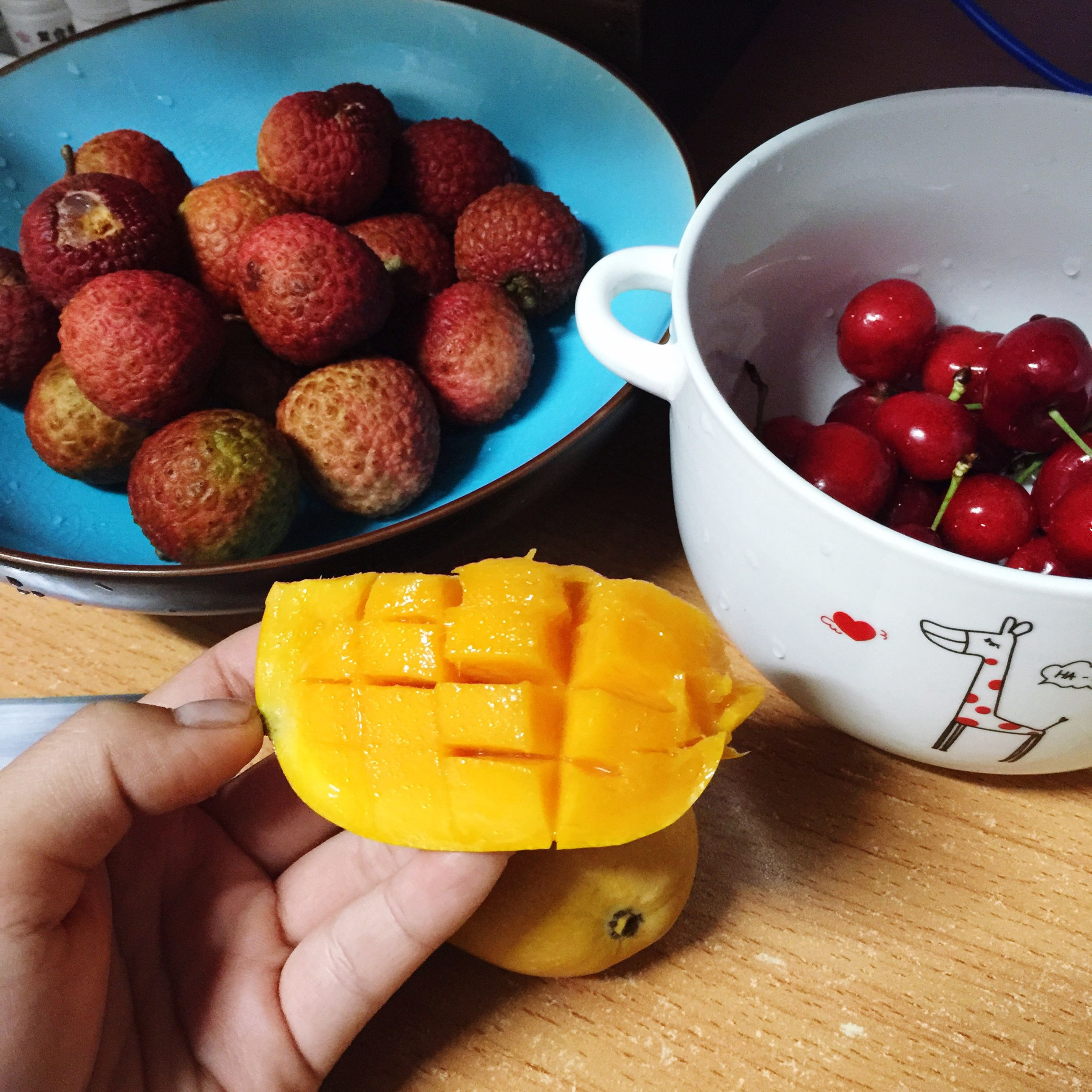 food and drink, food, freshness, person, fruit, holding, healthy eating, cropped, personal perspective, part of, unrecognizable person, lifestyles, indoors, strawberry, ready-to-eat, sweet food, leisure activity
