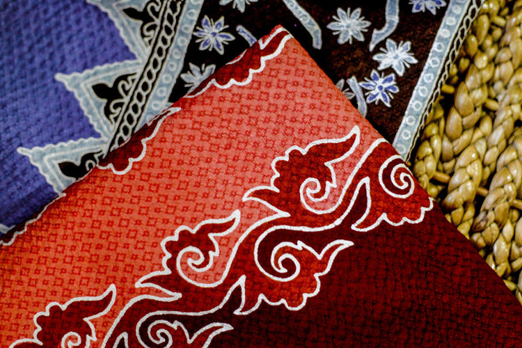 Batik Aceh Aceh, Indonesia Batik Aceh BatikIndonesia Traditional Culture Traditional Clothing Art And Craft Backgrounds Celebration Close-up Cloth Cloud Pattern Craft Decoration Design Floral Pattern Gift Handycraft Holiday Holiday - Event Indoors  No People Pattern Red Textile Traditional Costume