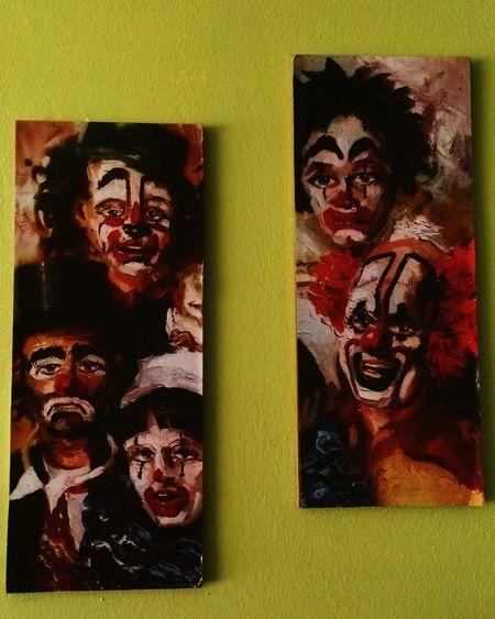 Clowns Table Trinkets Unhappy Distress Photography Speechless 😕