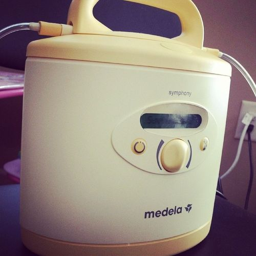 I'm so tired of seeing this stupid thing. Medela Breastpump Tryingtoincreasemilksupply Mamawoes