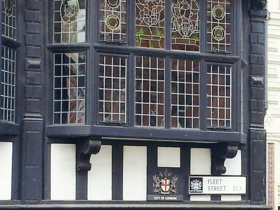 Window Building Exterior Built Structure Architecture No People Outdoors Day LONDON❤ England🇬🇧 England 🇬🇧 England 🌹 England, UK London Fleet Street Fleet Street Photo
