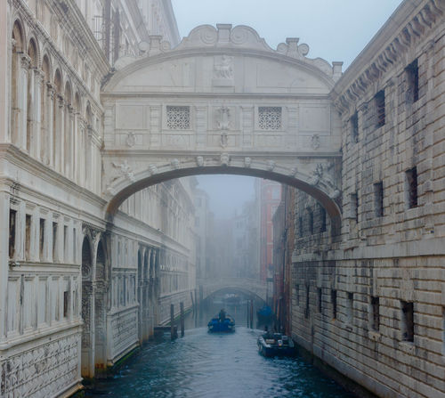 Arch Architecture Bridge - Man Made Structure Building Exterior Built Structure Day Gondola - Traditional Boat Nautical Vessel No People Outdoors Rialto Bridge Sky Travel Destinations Venedig Gondeln Venezia Italia Venice, Italy Water EyEm New Here Illuminated Place Of Worship