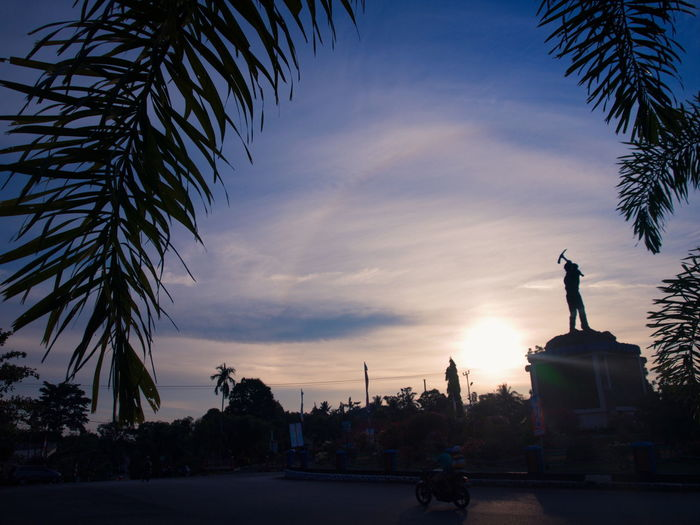 My Small Town #1 Architecture Building Exterior Built Structure City Day Hallo Sunset Outdoors Palm Tree Sculpture Silhouette Sky Statue Sunset Tree