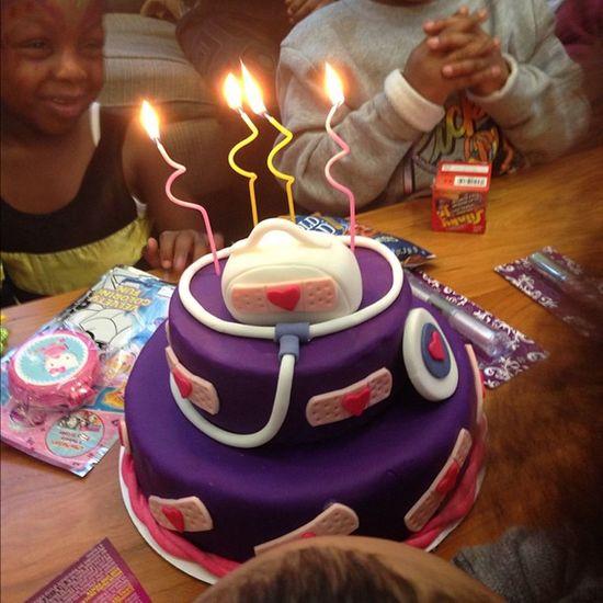 Happy birthday Boni! Docmcstuffins cake @naturallyshelly
