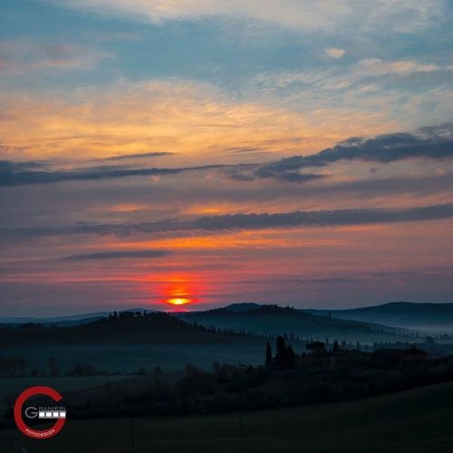 My first post on EyeEm. Tuscany morning mood shot on iPhone Landscape Tuscany Tuscany Countryside Sunrise Fog First Eyeem Photo