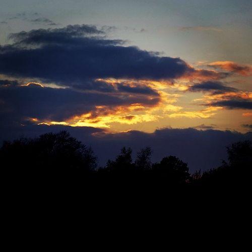 Good night for today Goodnight Gutenacht Sunset Sonnenuntergang sunsetporn clouds wolken sky himmel silhouette