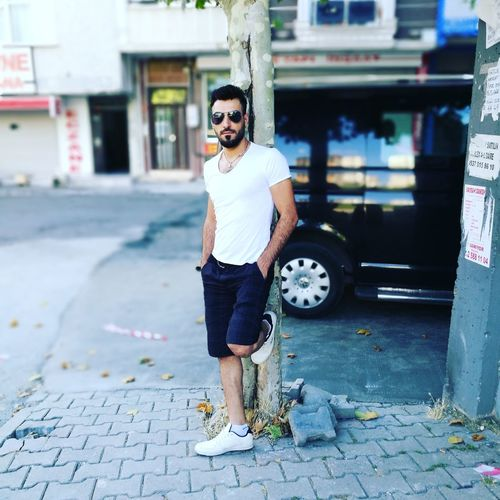 29 temmuz cumartesi Fashionsabahı Adults Only Adult Individuality Street Art Only Men Full Length Alternative Lifestyle One Person One Man Only City Standing Day Young Adult People Outdoors Youth Culture Men One Young Man Only Real People First Eyeem Photo