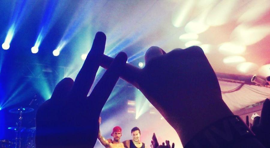 Twenty One Pilots Tyler Joseph Josh Dun Quiet Is Violent Tour