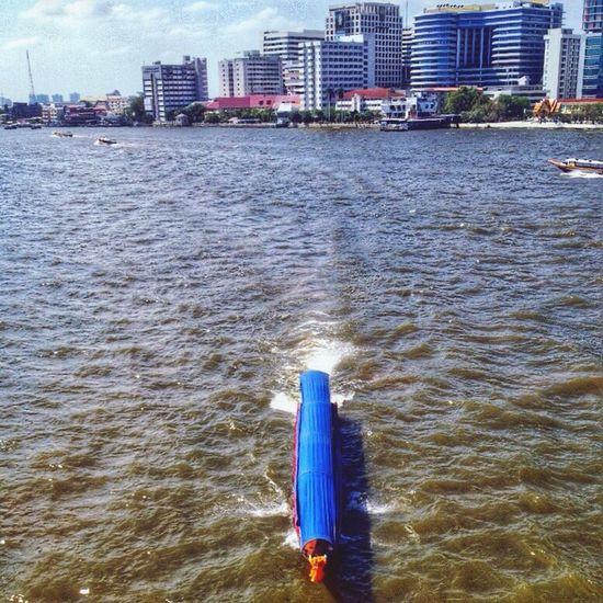 Chaowpraya river from the bridge #secenery #building #hospital #sirirajhospital #sunnyday #myphotograpic#bangkok #thailand
