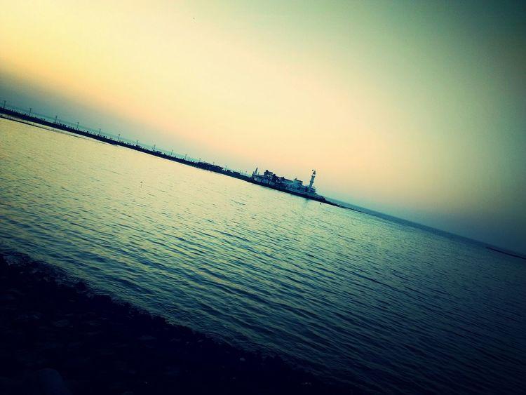 Haji Ali Tomb... Brezze Feeling Blessed Spritualism Devine♥♥♥ evening sky Cold Weather Cellphone Photography Traveling Mumbai_in_clicks Hajialidargah Haji Ali Mumbai