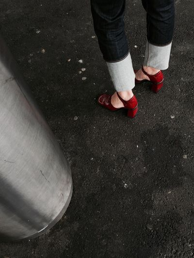 Red Shoes Colors The grey tubes or Nuances de gris 👍 IPhoneography Train Station The Moment - 2015 EyeEm Awards Public Transportation Authentic Moments The Moment - 2015 EyeEmAwards