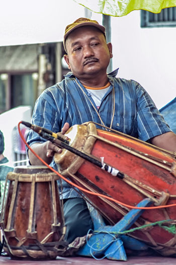Lifestyles Men Music Real People Traditional Instruments