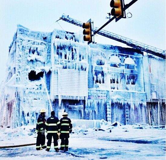 Fire&Ice (this is the result of a massive fire in subzero tempertures) Frozen Real Philly Phillyfiredept Fire Beautiful Tragic