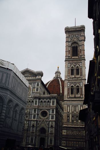 La Cattedrale Di Santa Maria Del Fiore Architecture Building Exterior Built Structure Duomo Firenze Florence Italy No People Outdoors Place Of Worship Religion Spirituality Travel Destinations Architecture Building Place Of Worship Travel Spirituality History The Past Tourism Tower City