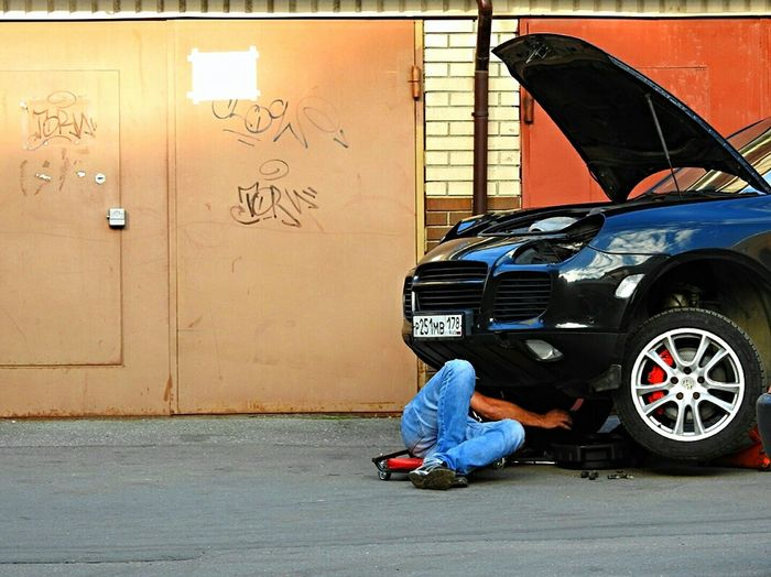 Magic Auto Repairs I Can Do Everything Porsche Showroom Russia Sankt-peterburg Summertime Walking Economy On The Way