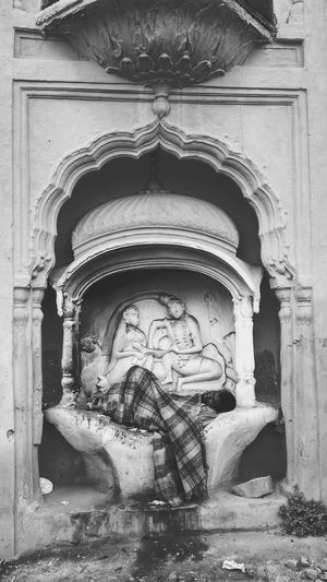 In The Gods Lap India Poonch Jammu Up Close Street Photography Bas Relief Carving Pilgrimage Temple Ancient Civilization Ancient Old Ruin Archaeology The Street Photographer - 2018 EyeEm Awards