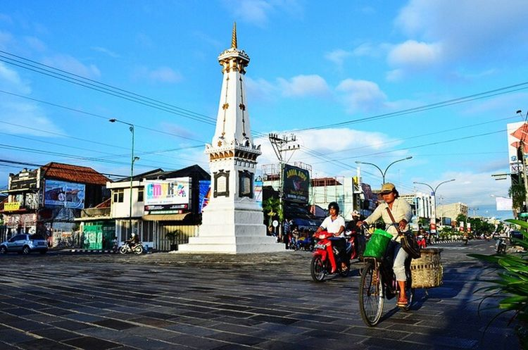 Battle Of The Cities Jogjakarta Built Structure Traffic Lights Traffic Jam Transportation Monuments Travelling Photography Tourist Destination Travel Destinations Outdoors Cycling Color Photography Colors