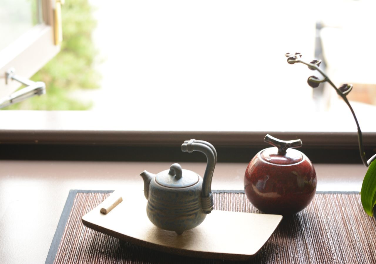 table, no people, indoors, wood - material, close-up, day, teapot, freshness