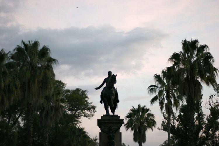 Statue Palm