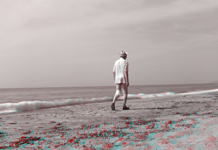 3D Photo3D Visualize With Anaglyph 3D Glasses Adult Adults Only Beach Beauty In Nature Day Full Length Horizon Over Water Men Nature One Person Outdoors Real People Sand Scenics Sea Sky Standing Vacations Water