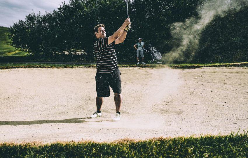 Golf Couple Bunker Sand Sport Teetime