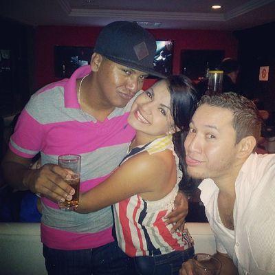 Beauty Friends Bday Drunkers Kiss