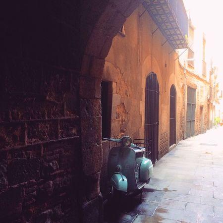 Vintage love Vespa Barcelona Picoftheday Motorcycles Vespavintage