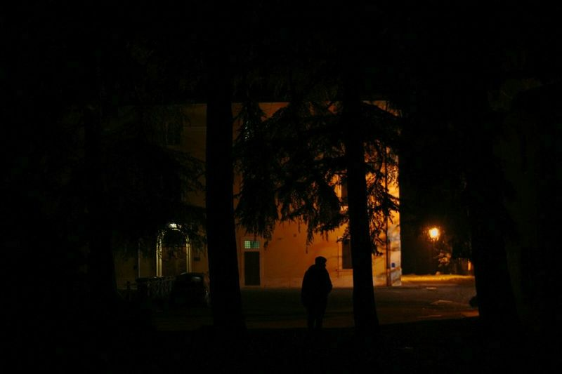 Newfrontier Dark Night Men Architecture Tree Real People One Person Outdoors City Tranquility Italy 2016 Enjoying Life December Streetphotography