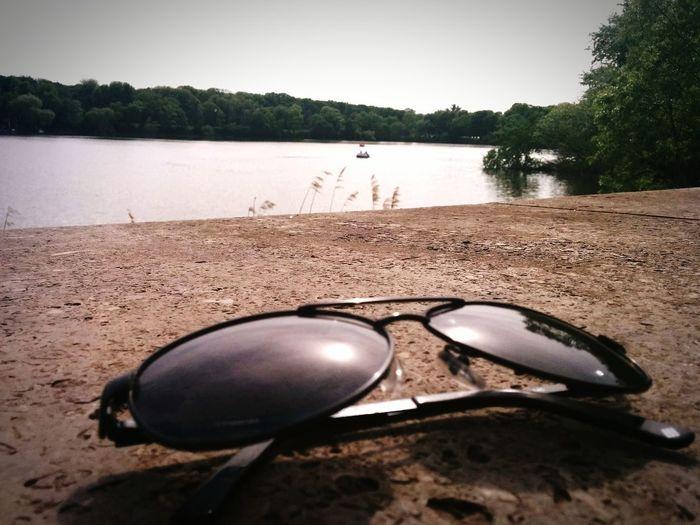 Glasses on the Rocks