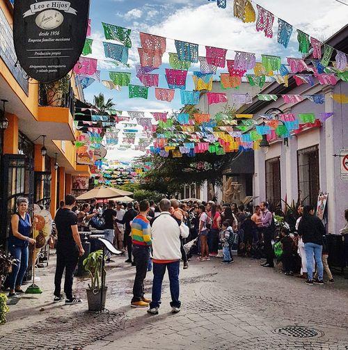 Domingo en Tlaquepaque México Mágico Mexico Festive Weekend EyeEm Selects Pueblo Mágico. Verbena Men Multi Colored City Full Length Women Architecture Building Exterior Sky Built Structure