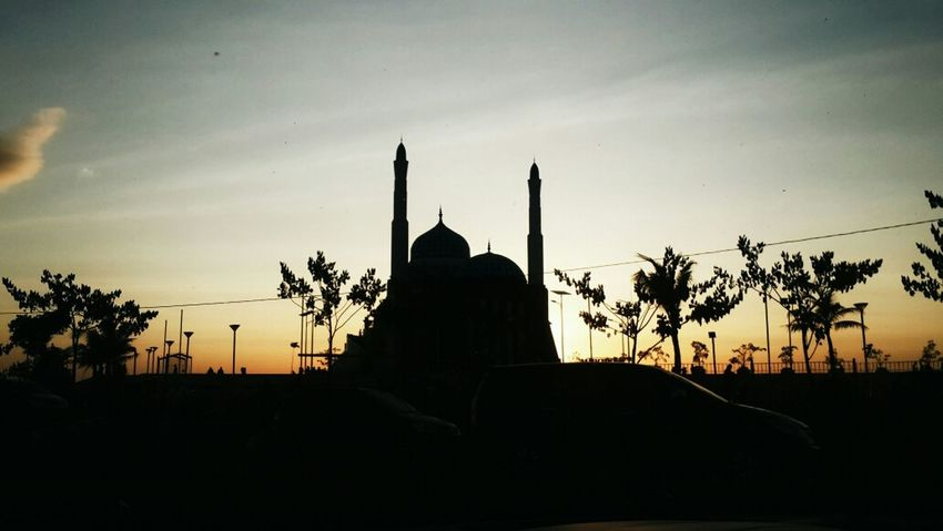 Beauty in the presence of God Sunset Silhouettes Mosque EyeEm Indonesia Losari Beach
