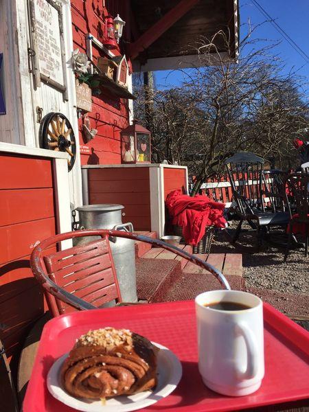 Black coffee Table Building Exterior Freshness Red sea Food And Drink Restaurant Regatta Helsinki