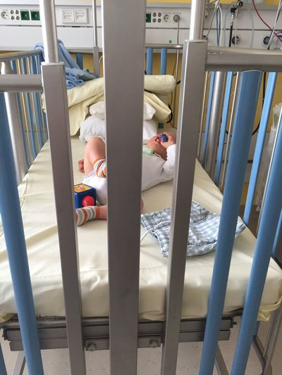 EyeEm Selects Baby Bed Indoors  Newborn Babyhood Sleeping Childhood Healthcare And Medicine Real People Bedroom Hospital One Person Day People Hospital Hospital Life Hospital Time Krankenhaus Krankenbett